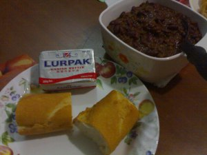 Chili Con Carne, French loaf  and butter