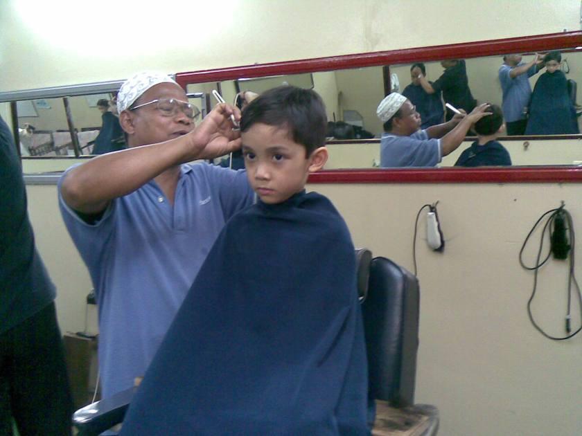 ali-had-a-hair-cut-from-atuk-ali