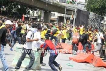 Photos And Videos of Bersih 3.0 Riot (Gambar dan Video Rusuhan Bersih 3.0) (1/6)