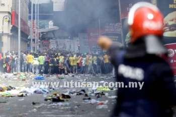 Photos And Videos of Bersih 3.0 Riot (Gambar dan Video Rusuhan Bersih 3.0) (2/6)