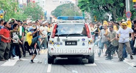 Photos And Videos of Bersih 3.0 Riot (Gambar dan Video Rusuhan Bersih 3.0) (3/6)