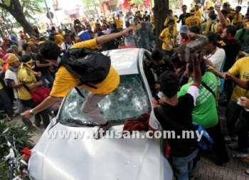 Photos And Videos of Bersih 3.0 Riot (Gambar dan Video Rusuhan Bersih 3.0) (5/6)