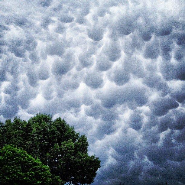 Photos: Rare Cloud Formation In Regina, Saskatchewan (6/6)