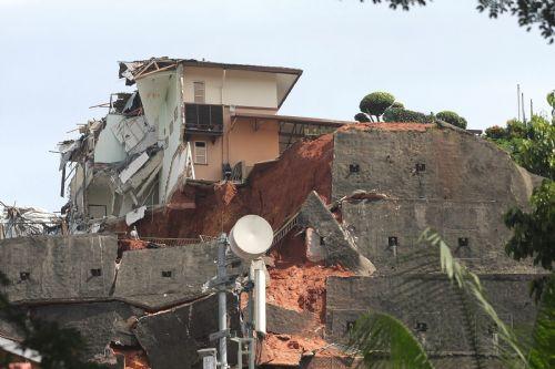Photos: Landslide In Setiawangsa (5/6)