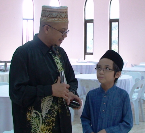 I had the chance to talk one of my favourite politician, Uncle Dato' Zulkifli Noordin.