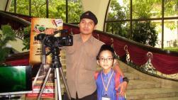 Uncle Ansari (L) from AStro Awani and I at the Dewan Muktamar.
