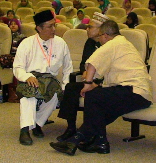 Deep in serious discussion. From left is my father A. Karim Omar, Uncle Zulkifli Noordin and Zahid Mat Arip (Mursyidul Am of TIBAI).