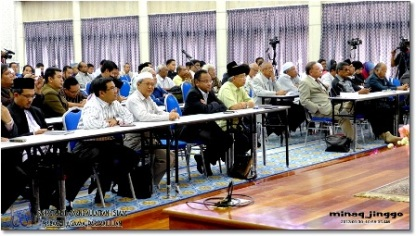 Some of the participants, Uncle Yusri, Atuk Mansur, Uncle Nasha, Pak Cik Dr. Hassan Ali, Professor Dr. Hashim Yaacob, Dato Noh Gadut, and Datuk Hj Nakhaie. (Photo by jinggo fotopages)