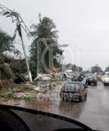 Keadaan di sekitar Pandamaran selepas puting beliung melanda daerah itu sehingga merosakkan 72 buah rumah di Pangsapuri PKNS, Pandamaran Jaya di Klang, hari ini. - UTUSAN/IHSAN PEMBACA UTUSAN ONLINE