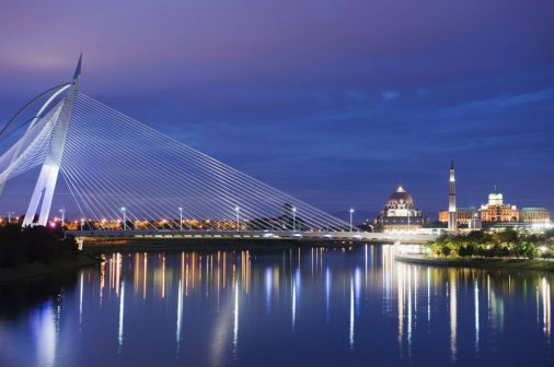 Completed in 2003, the Seri Wawasan Bridge was designed by the Kuala Lumpur-based firm, PJSI Consultants, and is located in Putrajaya, Malaysia.