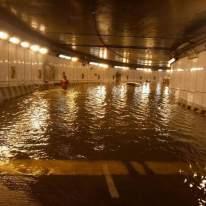 Keadaan di dalam terowong dari Jalan Tun Razak menghala ke Jalan Kia Peng - Gambar diambil daripada media sosial