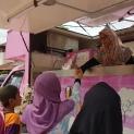 Trak aiskrim yang menyediakan tiga jenis aiskrim kepada tetamu majlis.