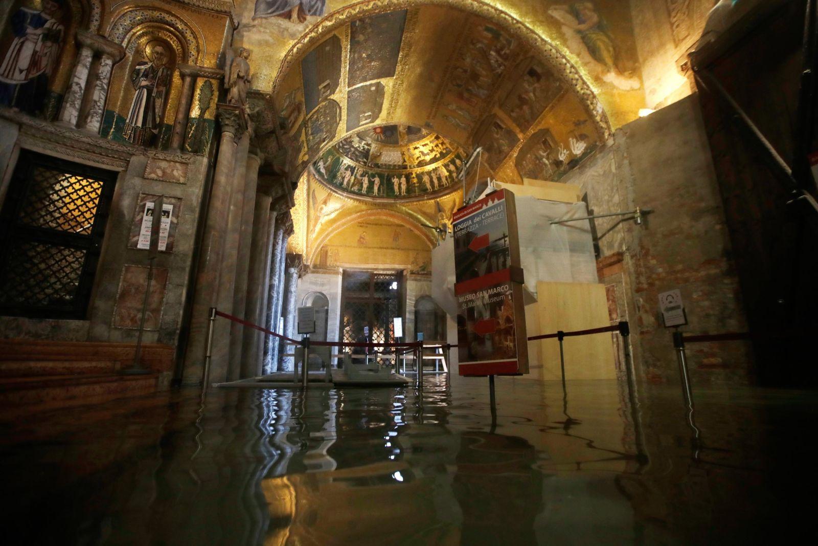 "In photos: Venice ""Acqua Alta"" Flood (2019)   Ahmad Ali ..."