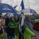 Penyokong Barisan Nasional kelihatan memberi sokongan terhadap Wee Jeck Seng di Tanjung Piai hari ini - Gambar ihsan Malaysiakini