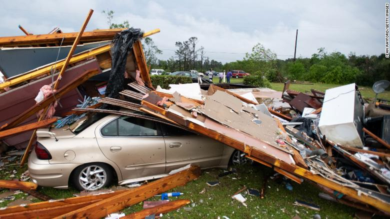 Tornadoes Hit Southern US Killing At Least 33 –Photos