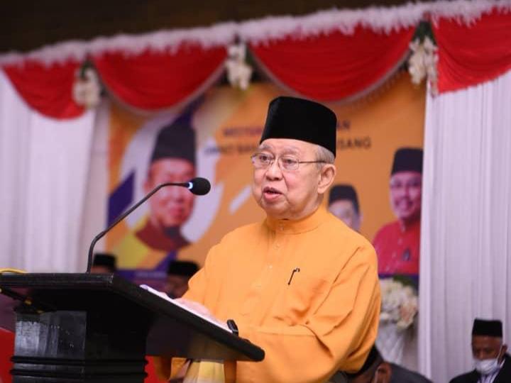 Kerat Empat Pun Ambo Takkan Masuk Parti Tun M, Rela Mati Dalam UMNO – KuLi