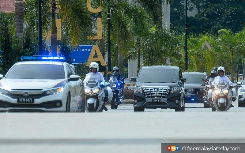 PM Tiba di Istana Negara Untuk MengadapAgong
